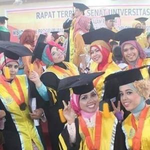 Wisuda Mahasiswa Tahun 2014